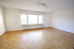 Wohnzimmer - K113 - Interessante Doppelhaushälfte Kehl